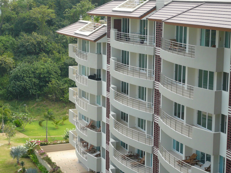 SeaRidge condominium, 3 bedrooms, top floor